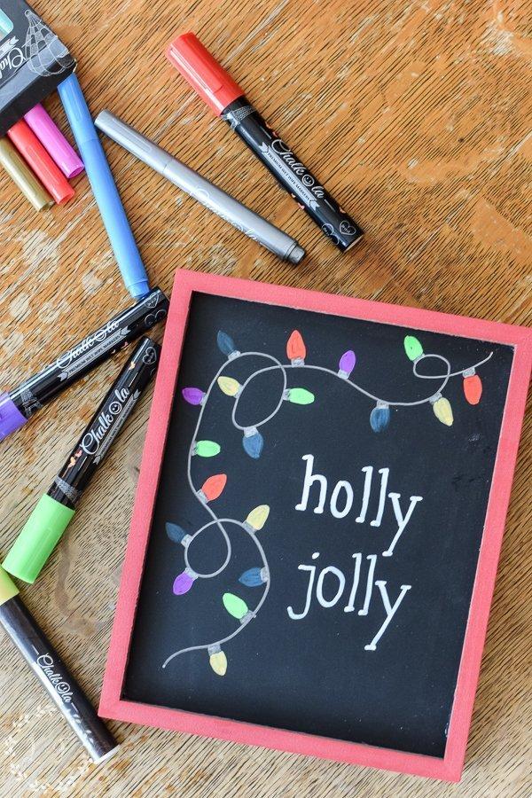 easy-diy-christmas-chalkboard-with-chalkola-arts-chalk-pens-10
