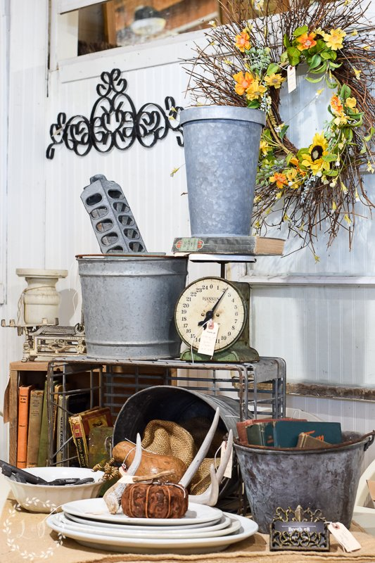 fall antique booth displays 7