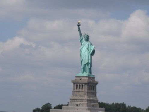 NorwegianCruiseLine-NorwegianGem-NYC-StatueofLiberty-2013