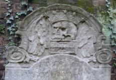 6 - Gravestone with skull and crossbones