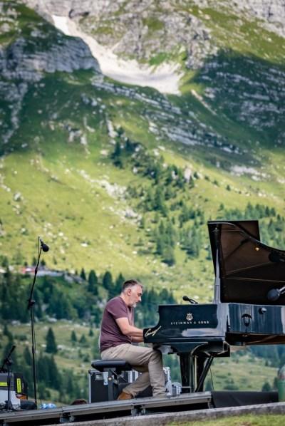 Yann Tiersen_No Borders_Altopiano del Montasio_IMG0025_credit Simone Di Luca photography [1280x768]