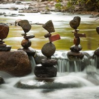 Artist Creates Serene Art by Balancing Rocks