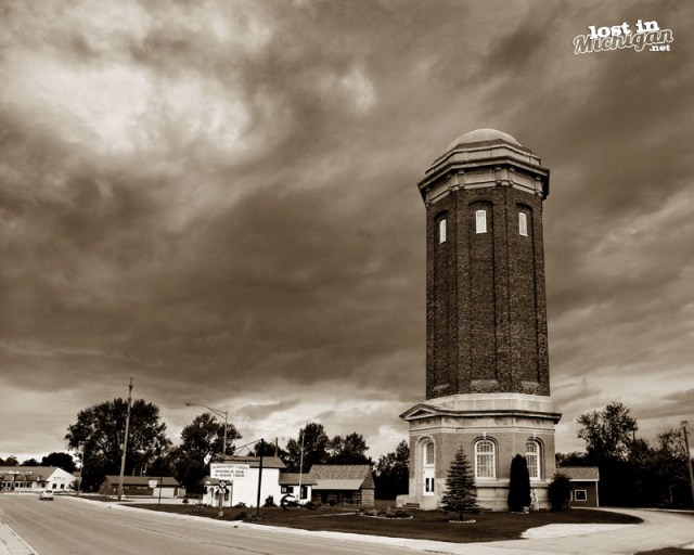 Manistique water tower