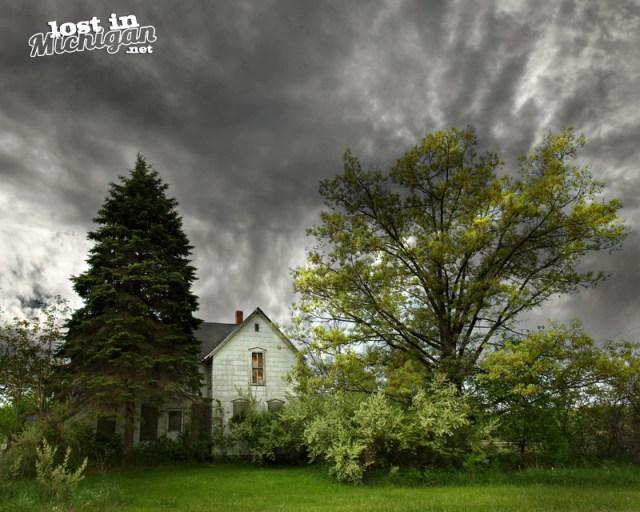 abandoned farm house michigan