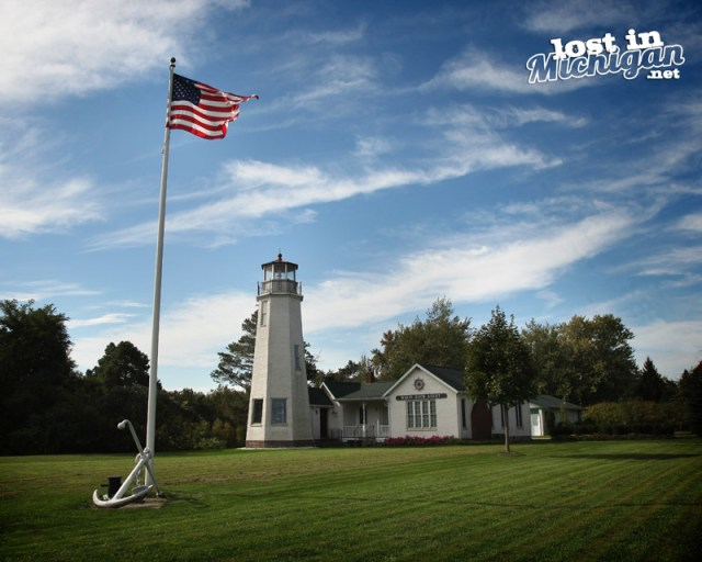white rock lighthouse michigan