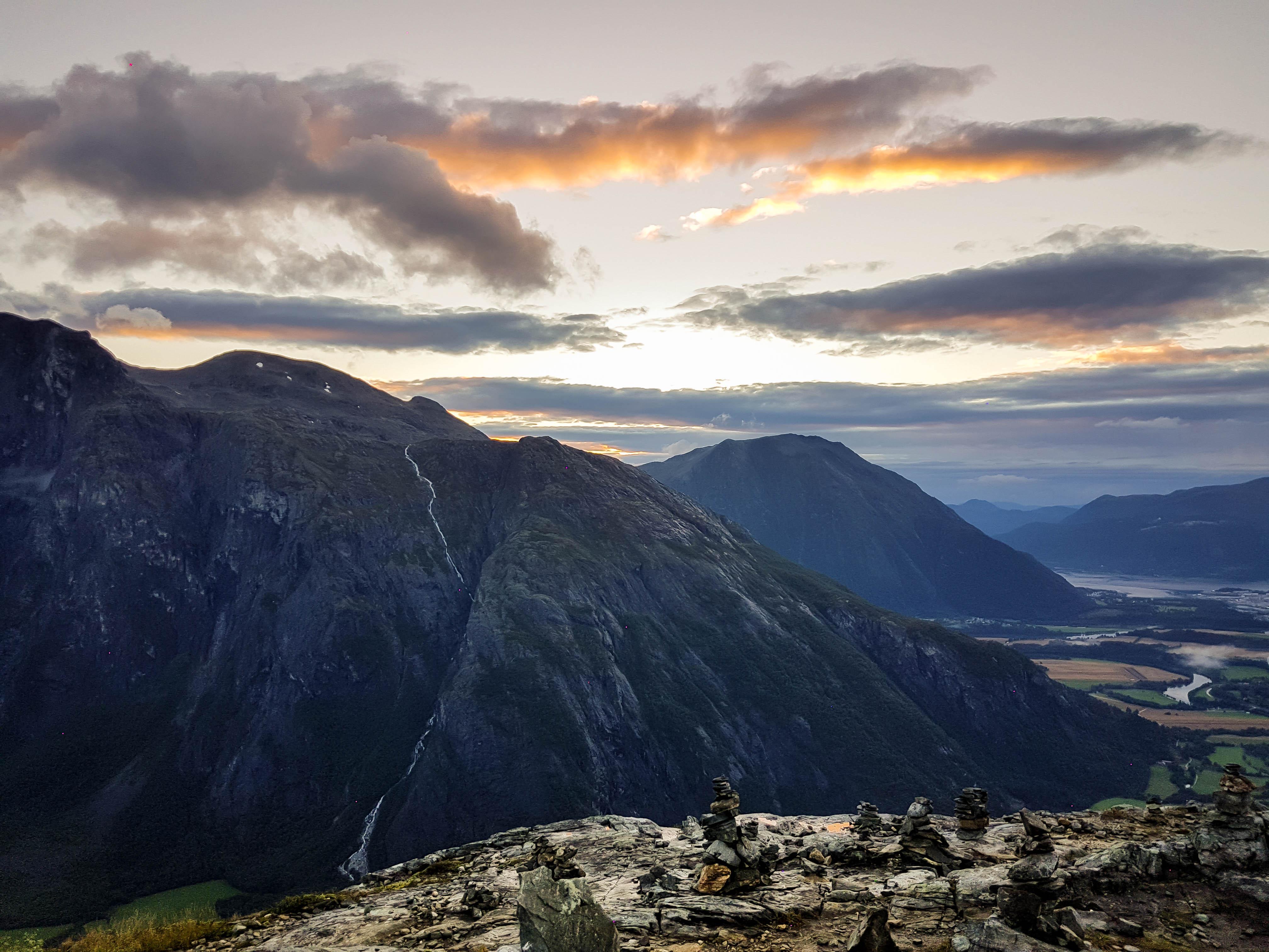 Prachtige zonsondergang vanaf Litlefjellet