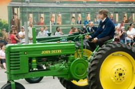 Tractor_2028787462_o