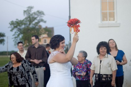 Bouquet Toss_2640173358_o