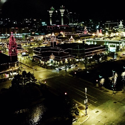 Country club plaza holiday lights Kansas City must-see