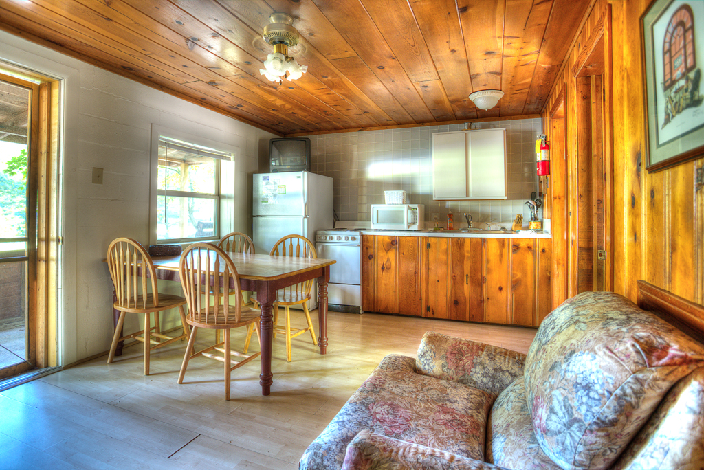 Get away from life's everyday hassles to a Kentucky cabin rental at the Lost Lodge at beautiful Lake Cumberland.