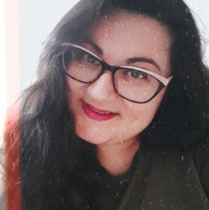 Veronica Sieli autrice di Lost Wanderer blog di viaggi bellezza e vita da expat e fuorisede