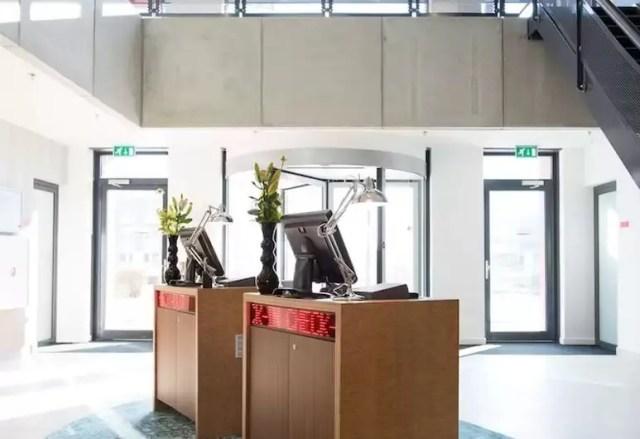 La sezione check-in self-service Park Inn di Schiphol
