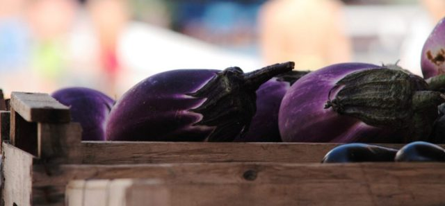 Le melanzane sono ortaggio base della cucina siciliana