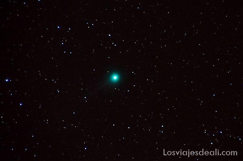 cometa lovejoy en el cosmos