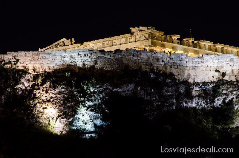 acropolis-atenas-noche