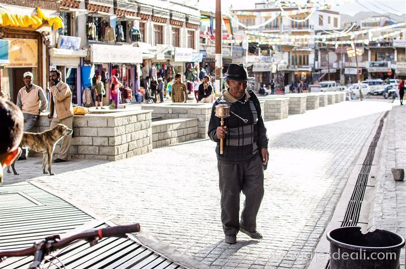 anciano tibetano en Leh India