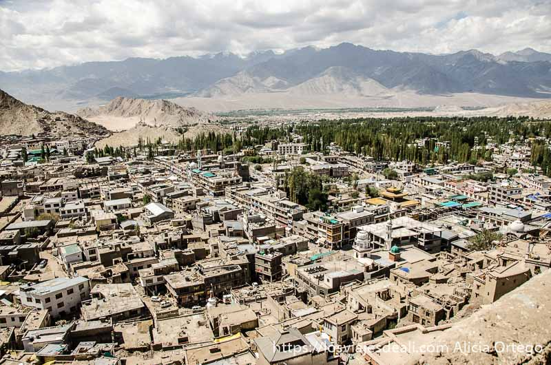 vistas de la ciudad de Leh desde el castillo