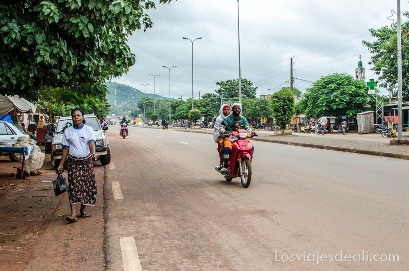 calle principal de Natitingou