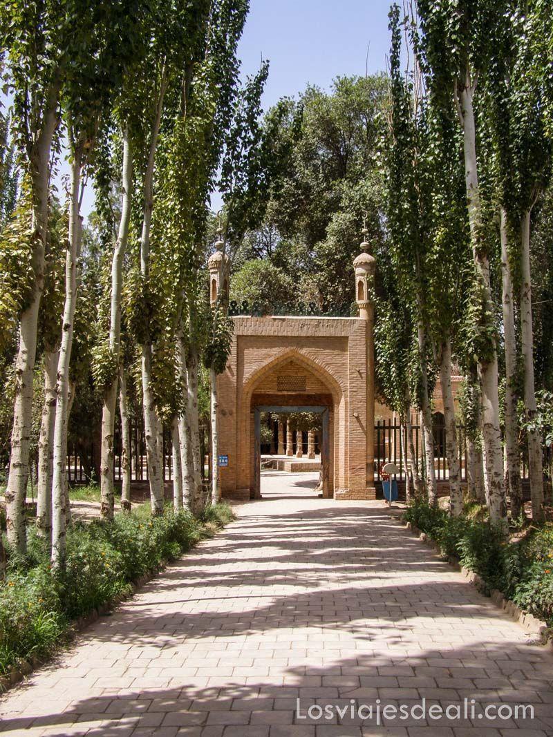 jardines del mausoleo de Abakh Khoja