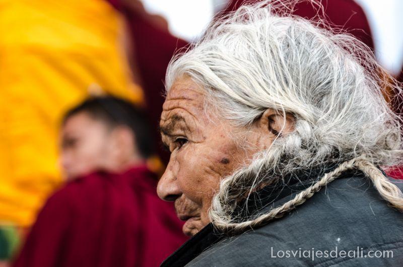 una conferencia del Dalai Lama anciana