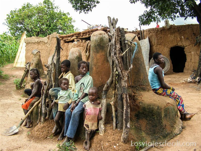 pueblo del pais lobi en Burkina Faso