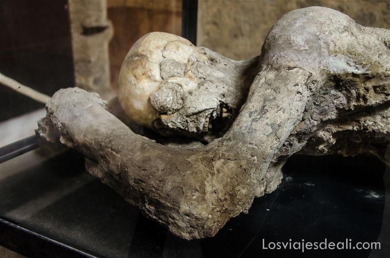 cadáver en la visita a visita a Pompeya