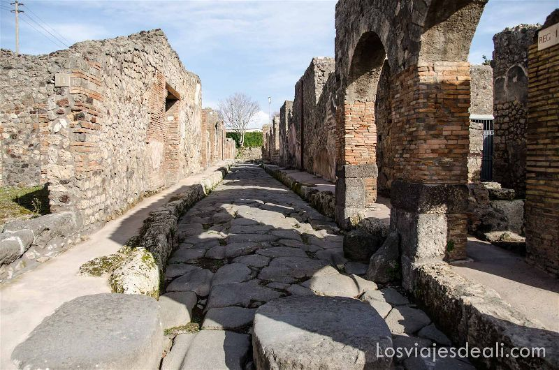 calles en la visita a Pompeya