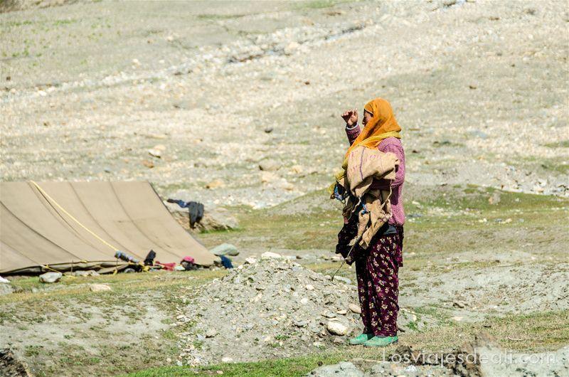 pueblos de cachemira mujer nómada