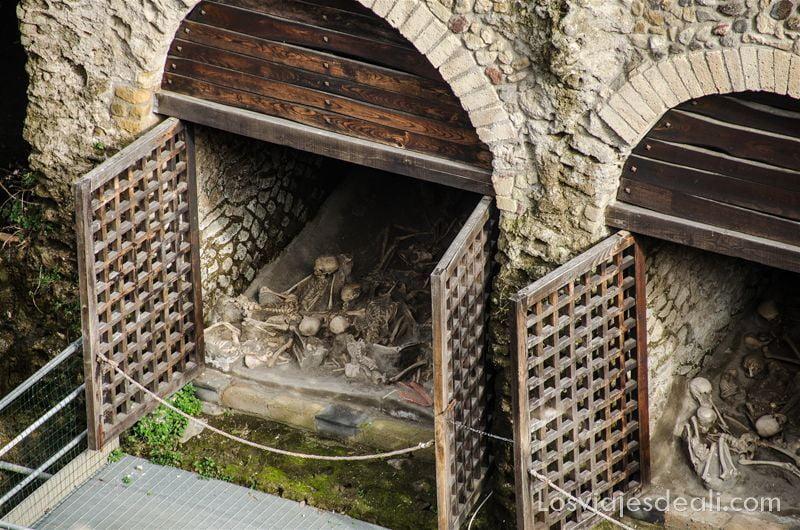 visita a Herculano esqueletos