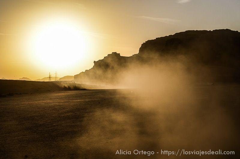 atardecer en desierto de wadi rum seleccionar tus fotos de viaje