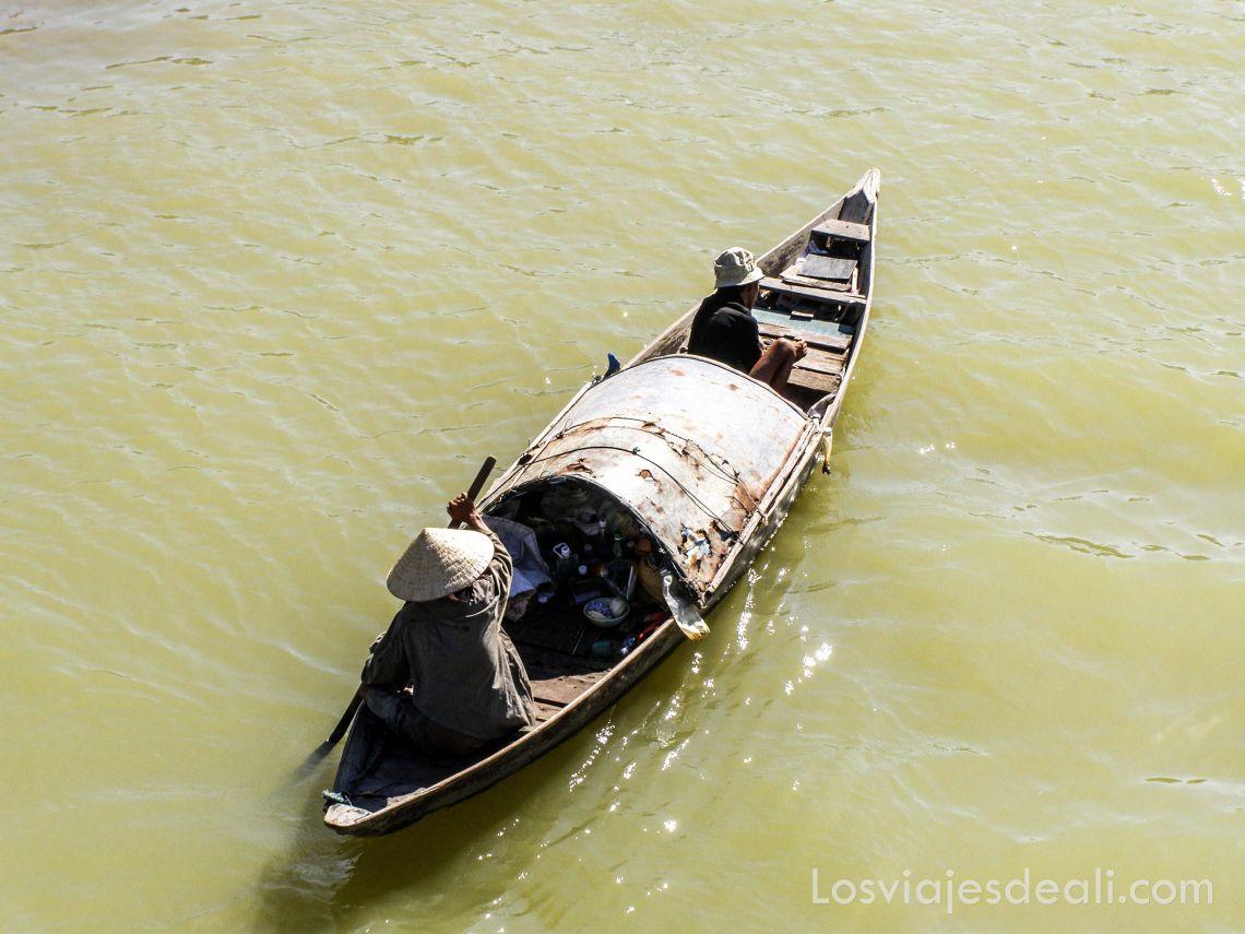 barca en Hoi An