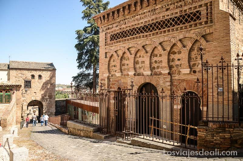 tres culturas de toledo mezquita