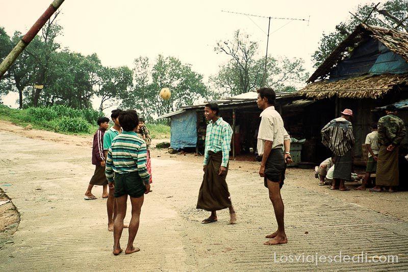 birmania juego de pelota