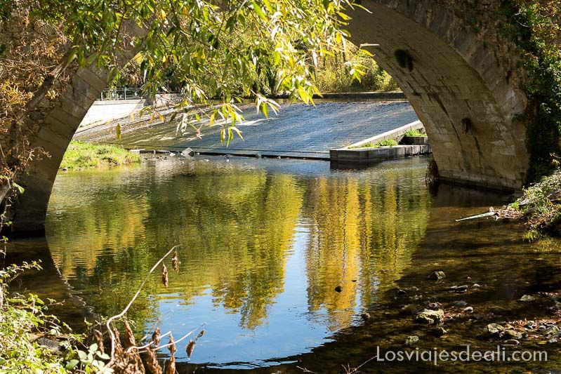 un día en segovia puente rio eresma
