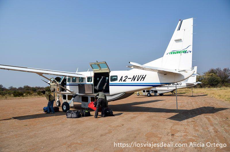avioneta para sobrevolar el delta del okavango