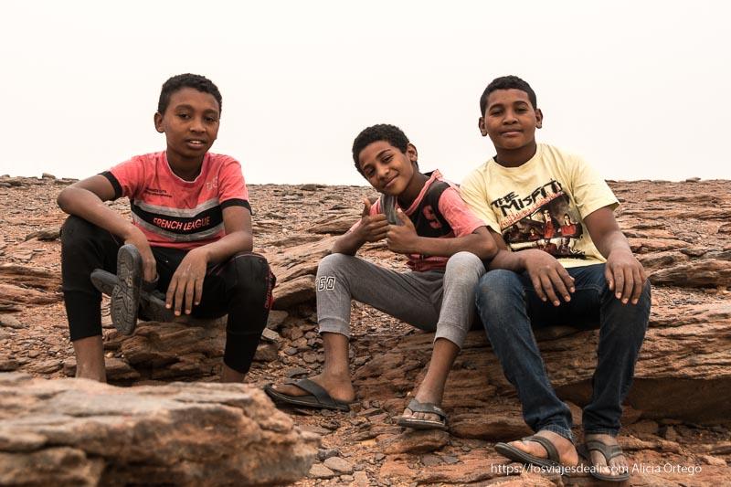 niños de Karima en Jebel Barkal Sudán