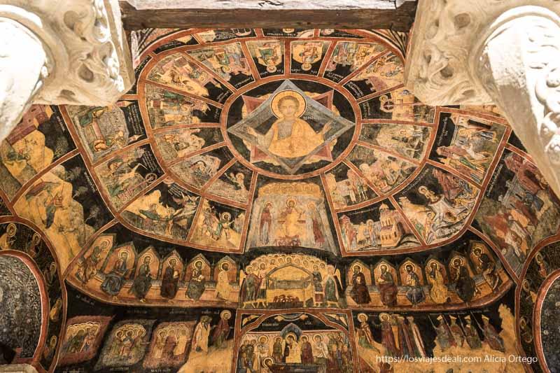 pinturas en la ermita del monasterio de sinaia
