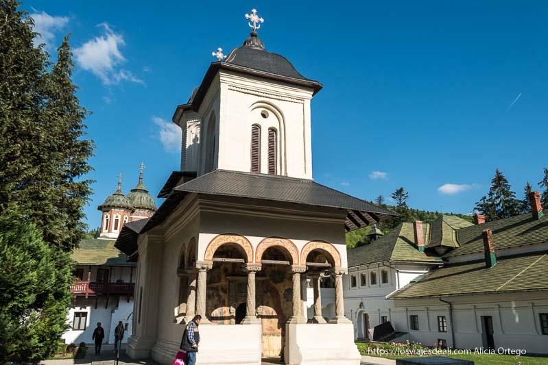ermita del monasterio de sinaia en las viviendas de los monjes
