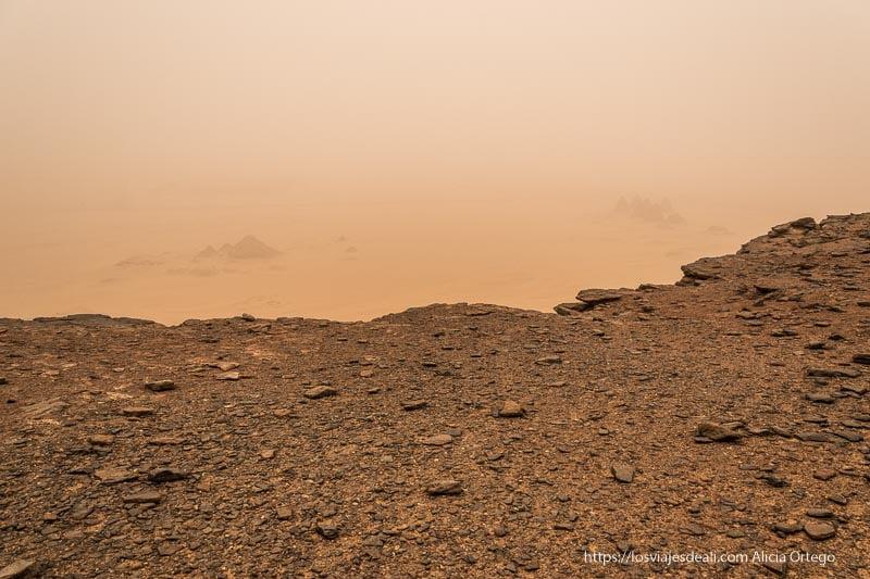 paisaje desde Jebel Barkal bajo gran tormenta de arena