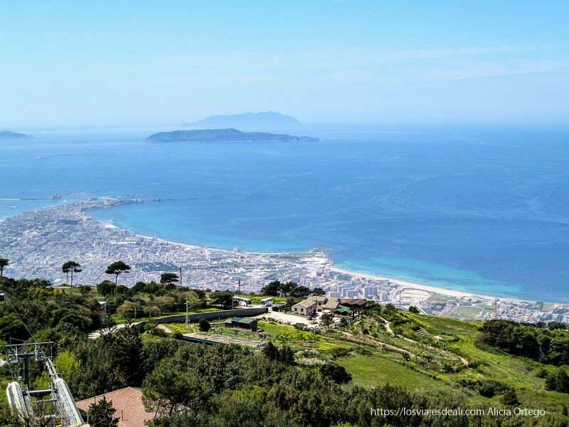 vistas de Trápani, la costa y las islas desde érice datos prácticos para un viaje a sicilia