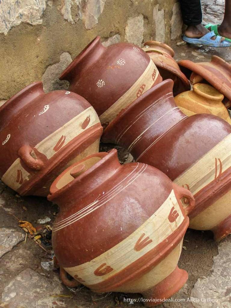 vasijas de barro en mopti