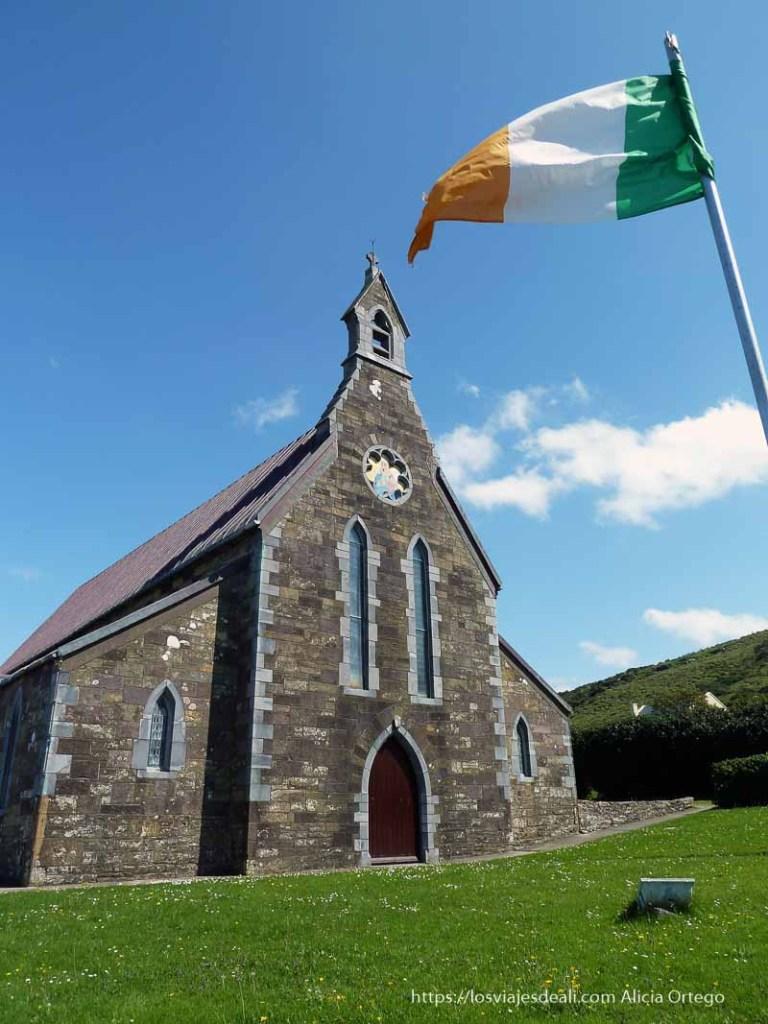 iglesia península de dingle primeras impresiones de Irlanda