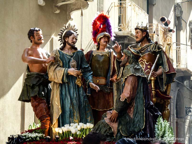 paso de cristo, soldado y reyes en Trapani en semana santa