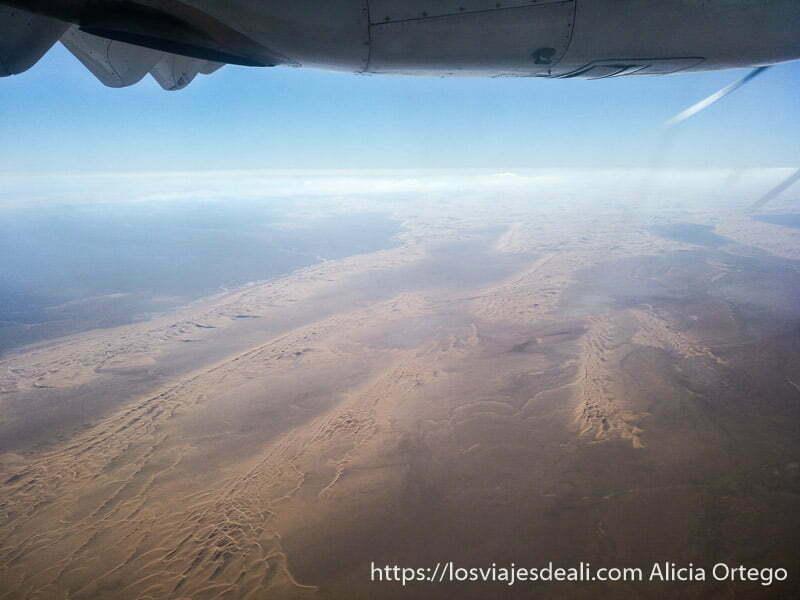 dunas del Sahara vistas desde el avión