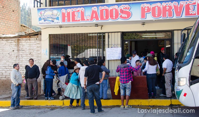"""tienda de helados """"Porvenir"""" en un pueblo del callejón de huaylas"""