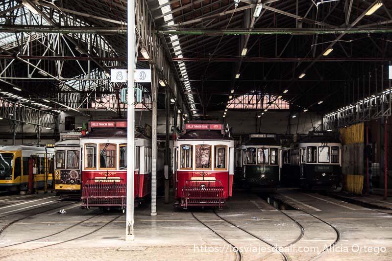 estación de tranvías antiguos junto al barrio de belem