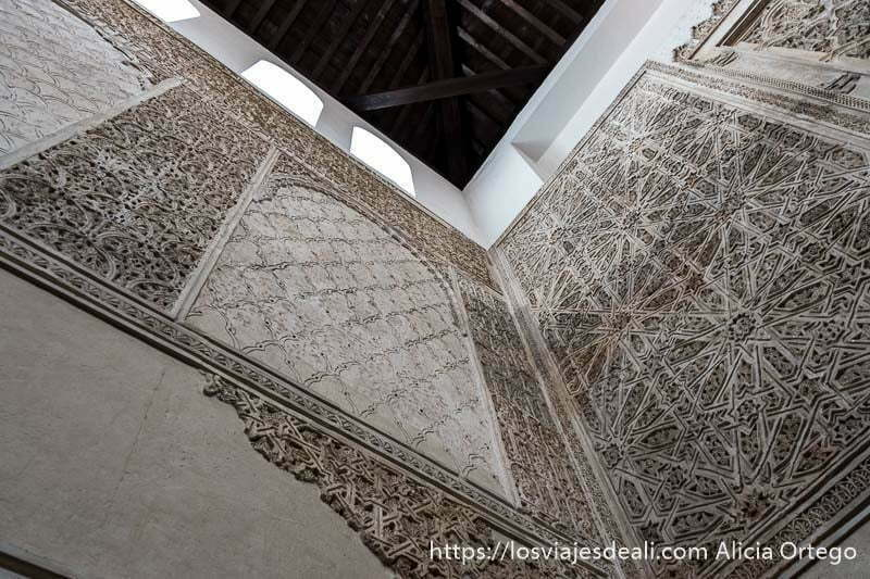 decoración del interior de la sinagoga en el centro histórico de córdoba