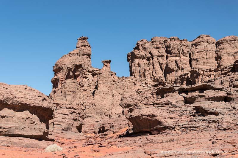 torres de piedra de Le cirque de Ouanagan