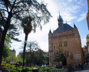 Donjon, oficina de turismo y un imprescindible ver en Toulouse