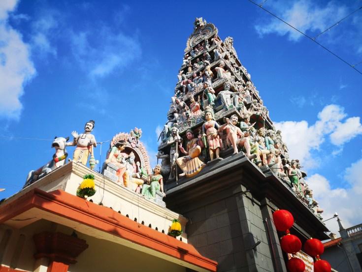 detalle de la fachada Sri Mariammam Temple